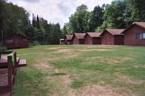 cabins (69k image)