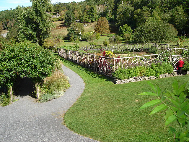 garden2 (186k image)