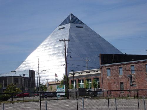 pyramid1 (63k image)